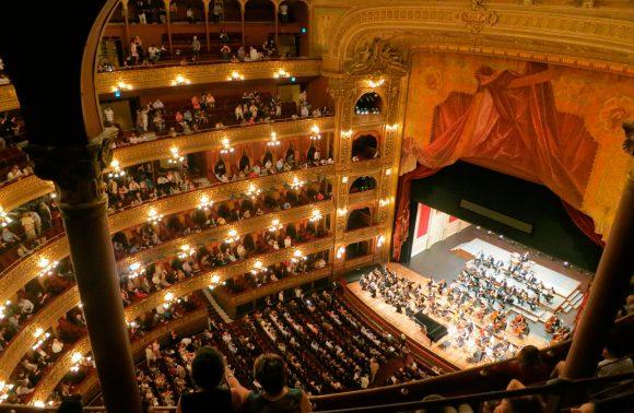 Una noche en la Ópera ¡En tu teatro soñado!