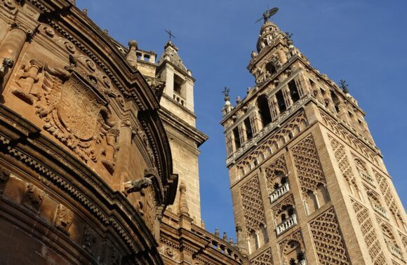 Sevilla en tren. Tu destino AVE eco friendly